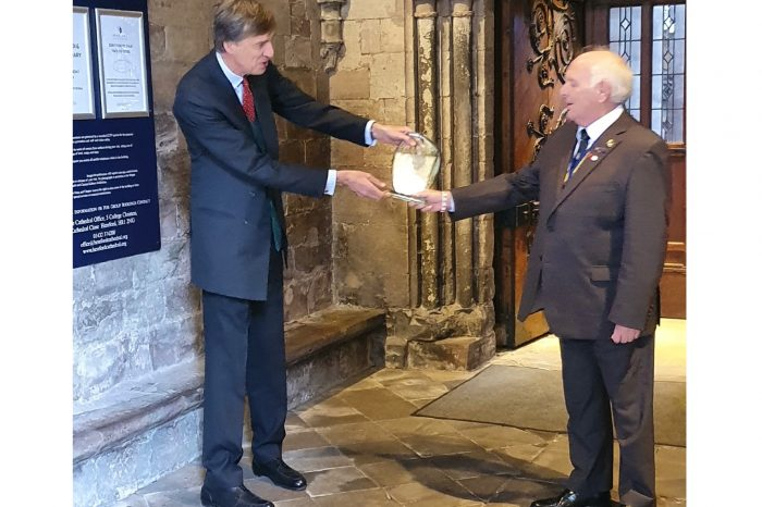 Ross and District Branch of RBL collect award